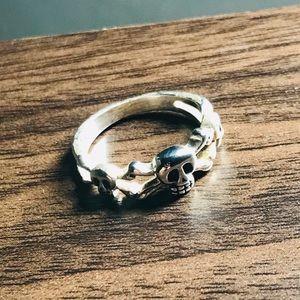 3 Skull Head Ring
